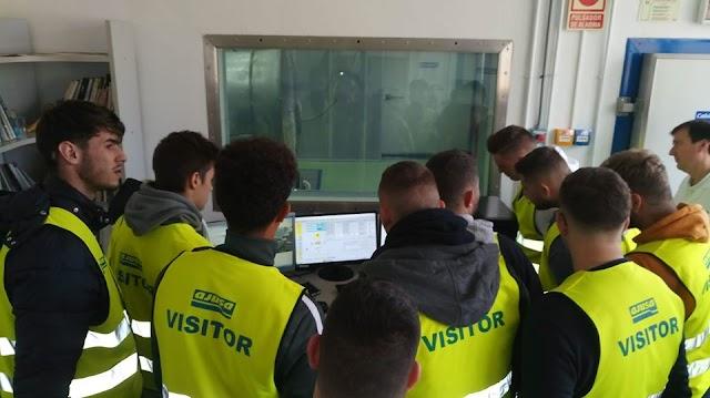 . Visita técnica a Ajusa de los alumnos de electromecánica.