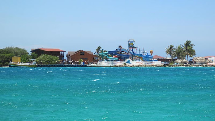 De Palm Island, Aruba's only all-inclusive destination, offers cruise passengers a pleasant escape from the bustle of busier beach areas.