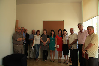 Photo: Arminé, Diana and various Armenian academics and professionals in the field of psychology and social work