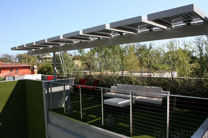 Panel surya sebagai pemasok listrik - source: inhabitat.com
