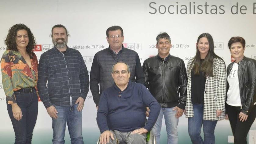 Foto de familia del nuevo equipo del PSOE.