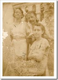 Edelmira(Mirin) Dolores (Lola) y Graciella Messina