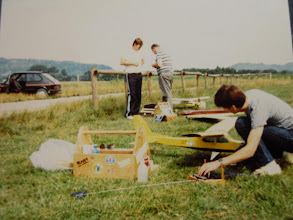 Photo: En 1983 : qui reconnait Patrick en train de régler son Charter ? (sur l'ancien terrain)