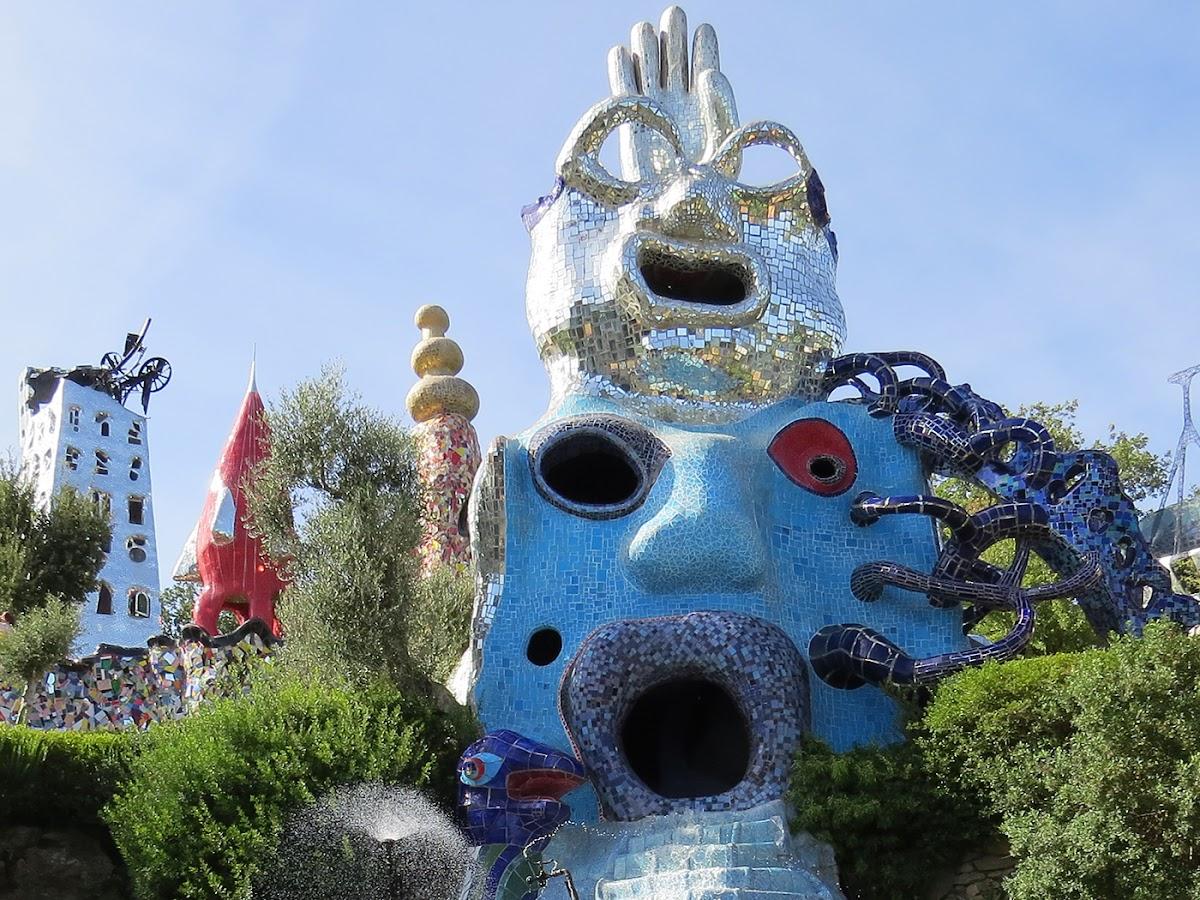 Niki de Saint Phalle, Il mago, Giardino dei Tarocchi, Capalbio