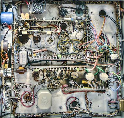 Cablaggio anni '60 di uno strumento a valvole di daniele1357
