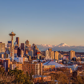 Seattle skyline from Kerry park by Vamsi Sata - City,  Street & Park  Skylines ( space needle, golden hour, sunset, seattle, skyline, mt rainier )