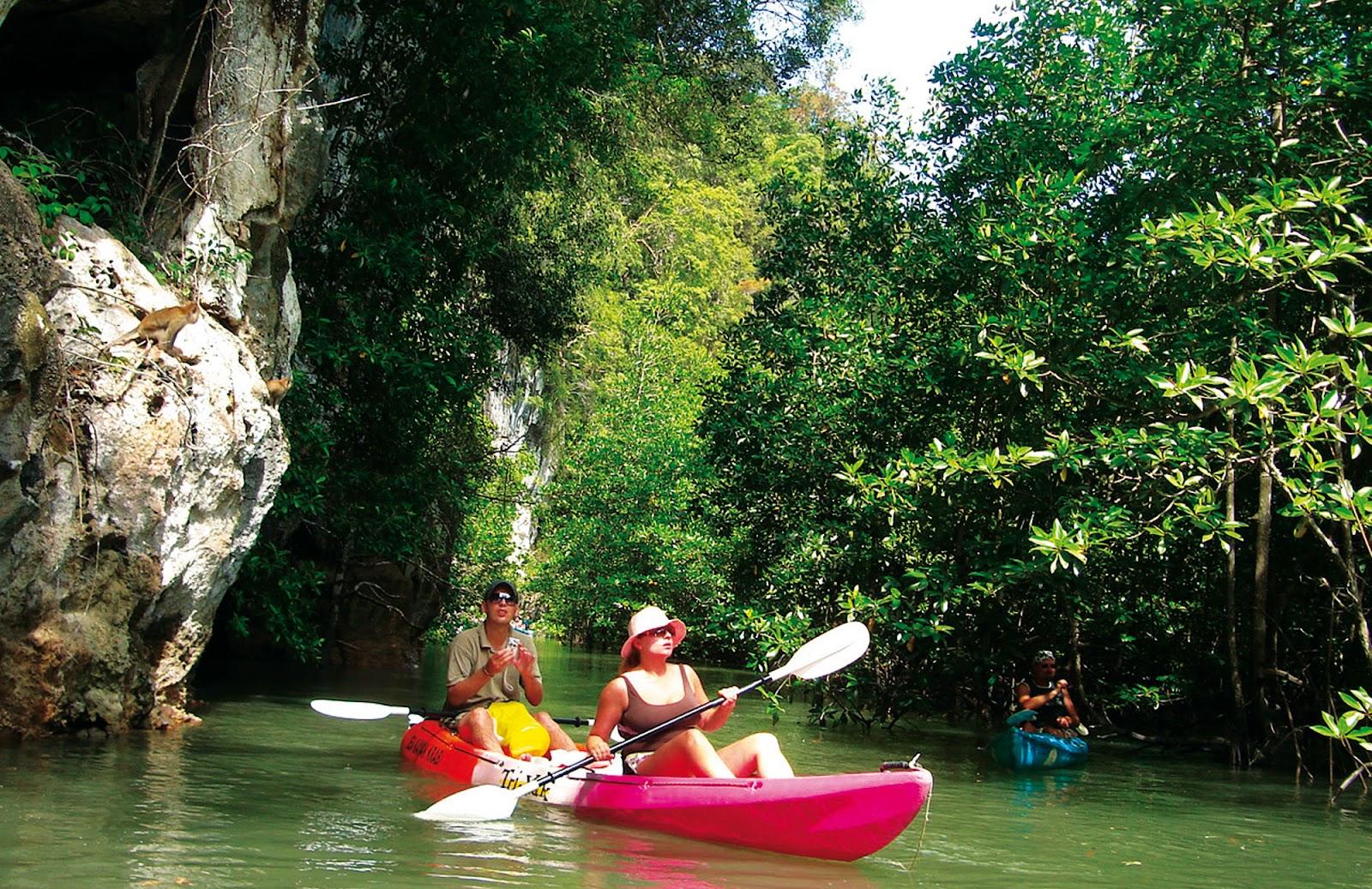 Sea Kayaking at Bor Thor in Krabi