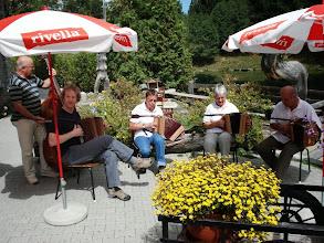 Photo: Auf der terasse beim Restaurant zum See