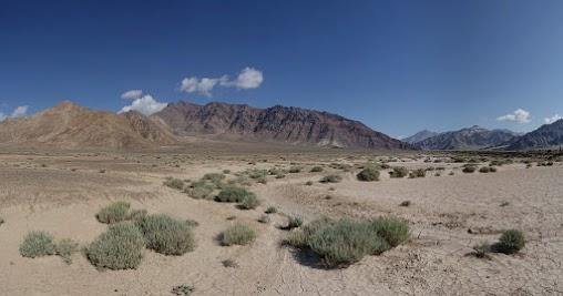 Weite, trockene Landschaft nördlich von Murghab.