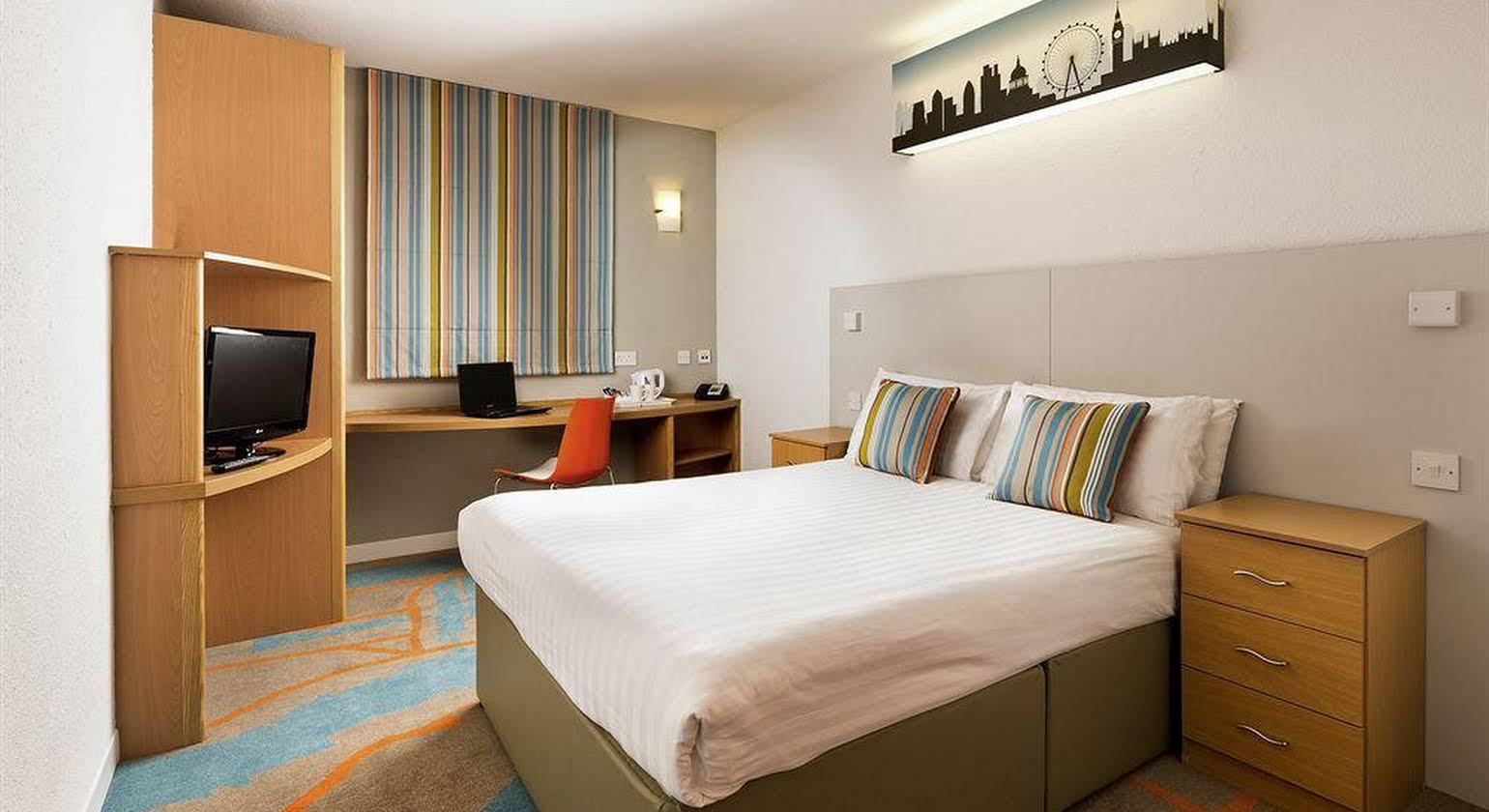 ibis Styles London Excel (Formerly Custom House Hotel)