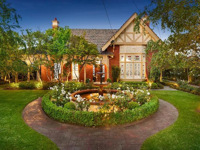 Gowrie, (1898) 10 Ardmillan Road Moonee Ponds Vic 3039