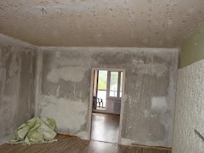 Photo: a pryč s tapetami i v obýváku...