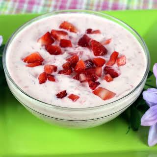 Chunky Strawberry Yogurt Dip.