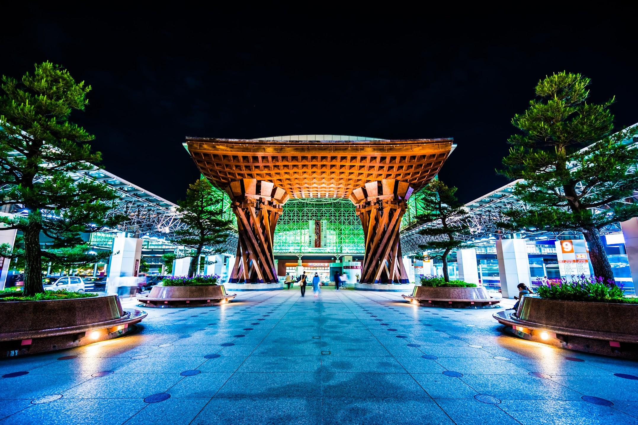 金沢駅 鼓門 ライトアップ1