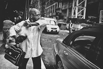Photo: This guy was smacking everyone that walked by. Ahhhh....NYC  http://www.meetup.com/NYCphotowalkers/