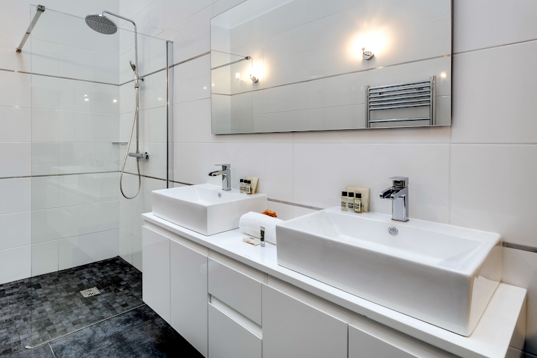 Bathroom at Brancion Serviced Apartment, Montparnasse