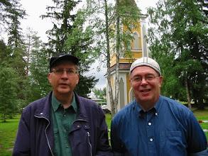 Photo: 20020706 Pekka, Asko - Nilsiän Vanha Hautausmaa