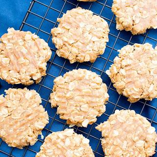 3 Ingredient No Bake Peanut Butter Oatmeal Cookies (Gluten-Free, Vegan, Dairy-Free).