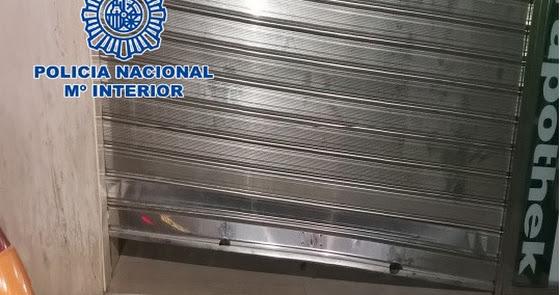 Detenidos in fraganti mientras robaban en una farmacia de Almería