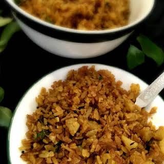 Bataat Fov / Kande Pohe /Tempered Beaten Rice.
