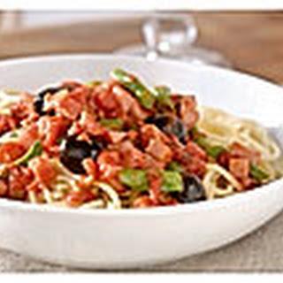 Spaghetti Met Basilicumsaus, Ham, Boontjes En Olijven