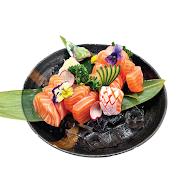 61. Medium Salmon Sashimi