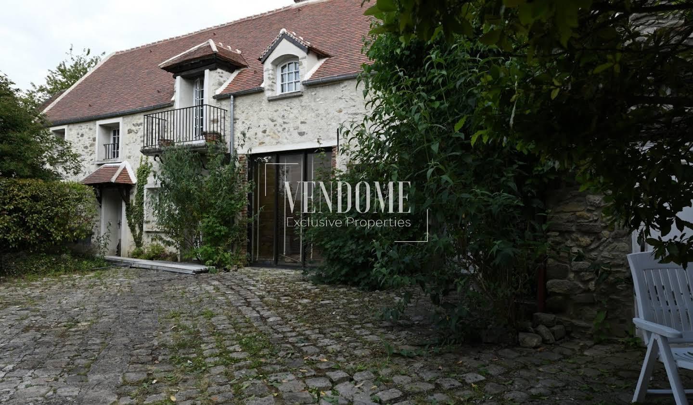 Maison avec piscine et terrasse Le Plessis-Luzarches
