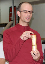 Photo: Steve DiBenedetto talks about using the Crush Grind system in his spalted-maple pepper grinder.