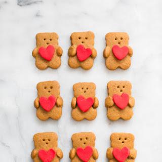 VALENTINE BEAR HOLDING HEART COOKIES