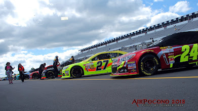 Photo: 'Ol 4-time Jeff Gordon in the foreground shadowed by Paul Manard and the rest of the field...