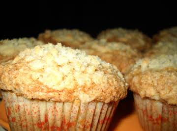 Peach Muffins with Streusel Topping