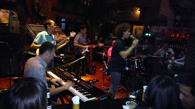 Photo: Saxophone Pub in Bangkok (http://www.saxophonepub.com). We love to visit here whenever we are in Bangkok. Particularly, the group in this photo performed damn excellently, and I forgot the group name... The keyboard player I saw him performing at Rosabieng restaurant (http://www.tripadvisor.com/Restaurant_Review-g293916-d1755494-Reviews-Rosabieng_Restaurant-Bangkok.html) on Sukhumvit Soi 11 sometimes.  30th March updated (日本語はこちら) - http://jp.asksiddhi.in/daily_detail.php?id=498