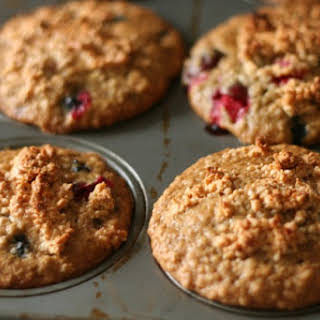 Blueberry Cranberry Oat Muffins with Maple Cashew Crunch Topping (Gluten-Free & Dairy-Free).