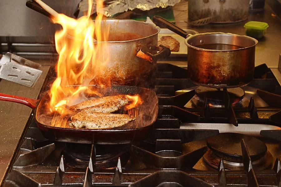 Let It Burn by Ewan Allardice - Food & Drink Cooking & Baking