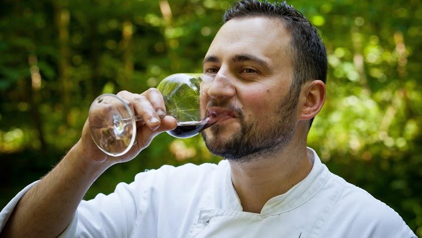 Rafael Rodríguez es el jefe de cocina de Auberge de L'Abbaye, en Suiza.