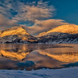 Vangsmjøsa. by John Aavitsland - Landscapes Mountains & Hills ( 2017, vangsmjøsa, sunset, norway, winter, cold )
