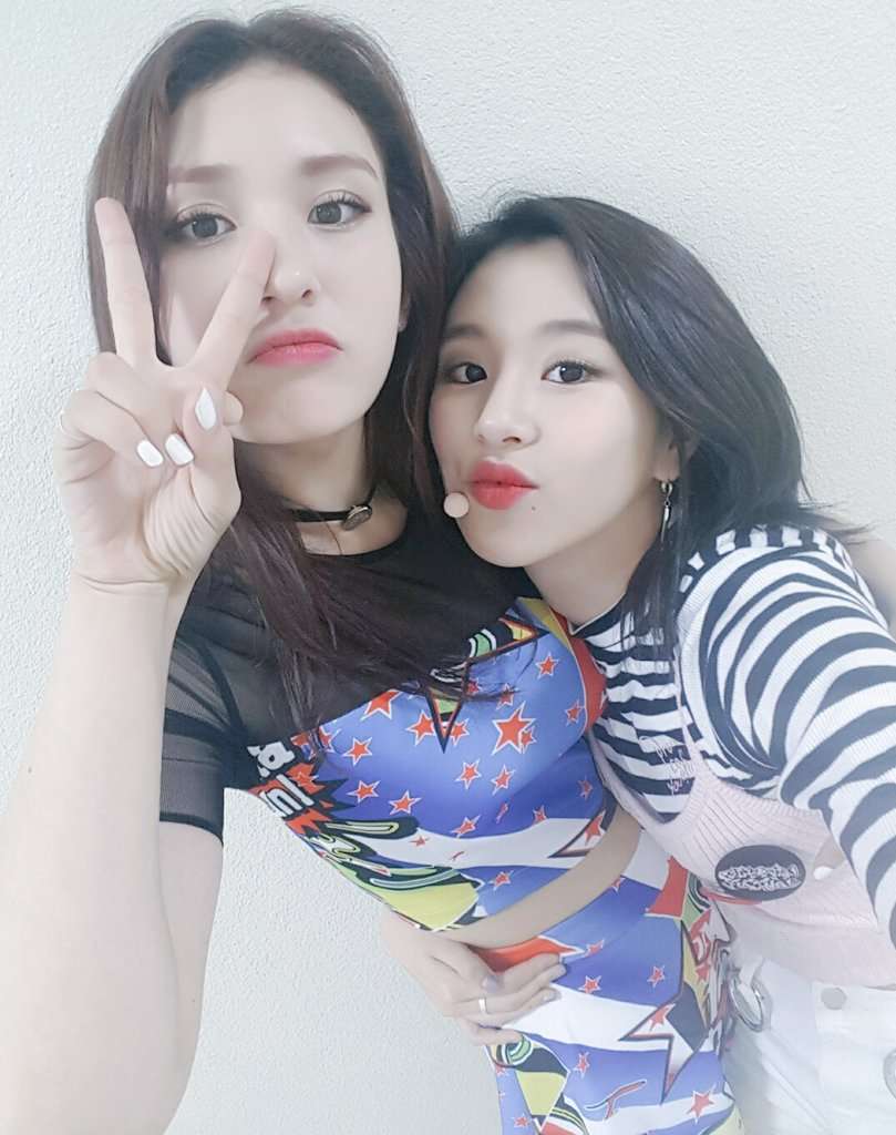 Chaeyoung-Jeon-Somi