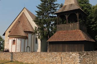Photo: A kis román stílusú templom mellé a fa harangláb a 18. században épült fel