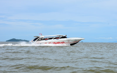 Travel from Hat Yai Airport to Koh Lipe by shared minivan and speed boat