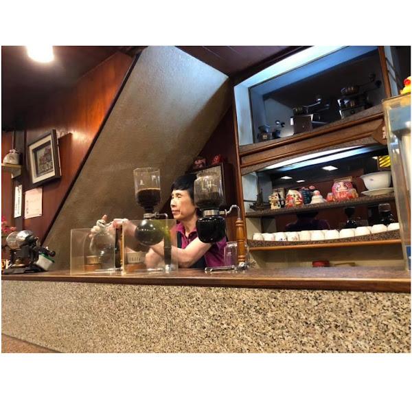 ♡ 小堤咖啡 ♡  地址 : 高雄市鹽埕區鹽埕街40巷10號(42年的復古咖啡廳)  電話 : 07 - 5514703  營業時間 : AM 08:30 ~ PM 20:30  每個月第二、四星期天