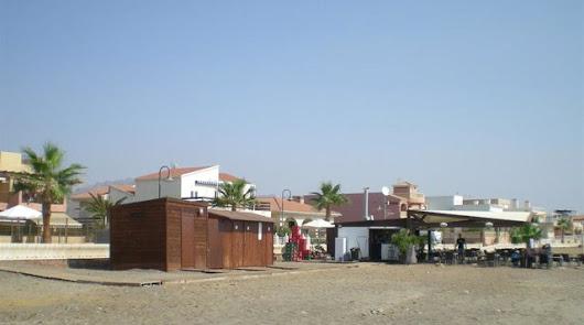Los chiringuitos almerienses, con reservas solo en domingo por falta de turistas