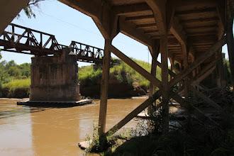 Photo: puente sobre el río entre balnearia y marull