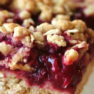 Delicious Raspberry Oatmeal Cookie Bars.
