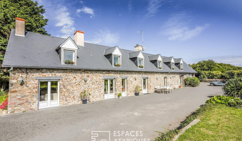 Maison avec piscine et terrasse Saint-Germain-sur-Ay