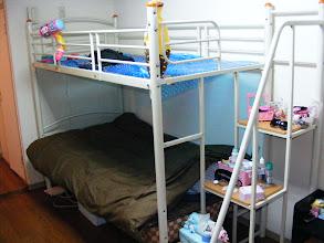 Foto: Il mio giaciglio, il comodino scala e il letto dei pupazzi!