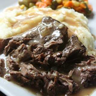 Slow Cooker Sirloin Steak and Gravy