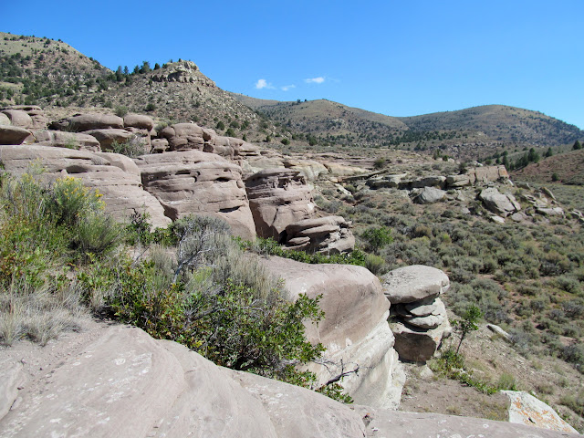 Sandstone ledges near the rock art