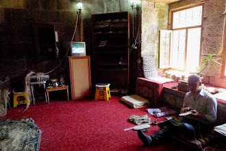 Photo: Making hariks – traditional shoes from Bitlis region, Bitlis, 2011