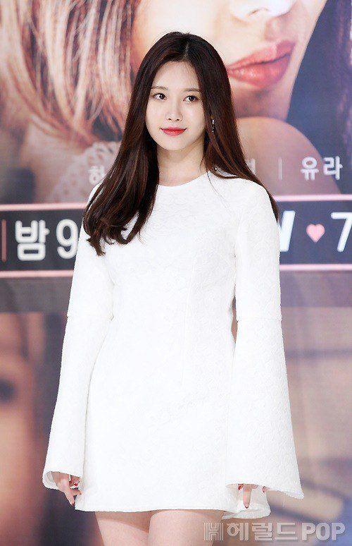 yura dress 17