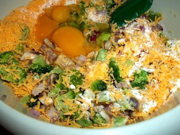 In a large bowl, thoroughly mix all other ingredients together.